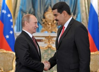Vladimir Putin and Nicolás Maduro in 2013. (AP)